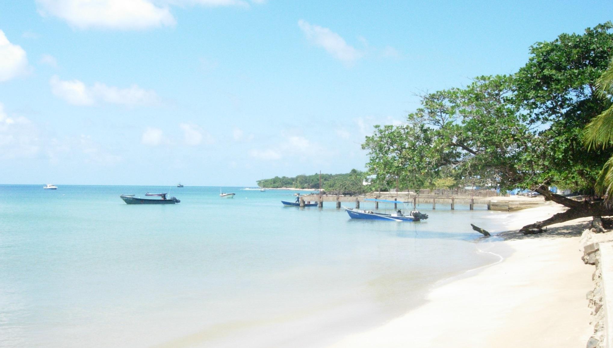 La arena blanca y el agua de tono turquesa son dos características de Corn Island. Foto | Cortesía | Martha Solano