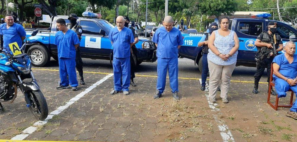 Diego Donaldo Solórzano Pérez, de 75 años de edad, fue asesinado cuando se encontraba estacionado en el interior de su camioneta frente a su empresa ubicada en el Barrio Monseñor Lezcano. Cortesía