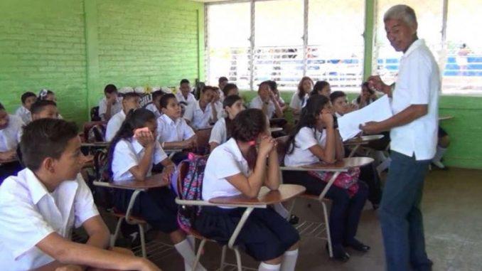 El Ministerio de educación anuncia regreso a clases en medio de pandemia y sin vacuna. Cortesía
